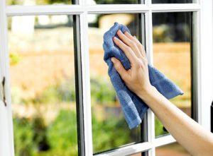 Домашняя чистка оконных стёкол